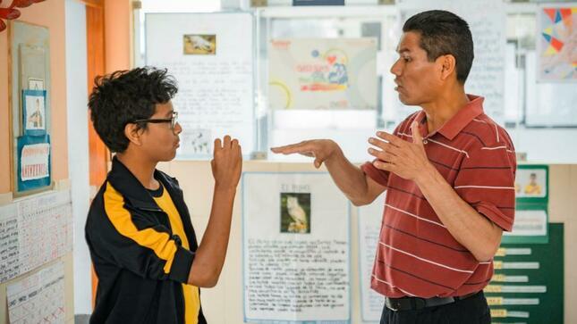 """Ver campaña Prepublicación del """"Modelo de servicio educativo para estudiantes con discapacidad auditiva"""""""