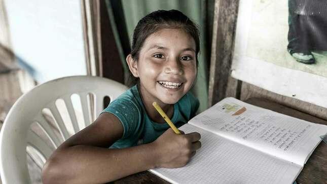 Este 2020 aprendimos que la educación no para cuando se convierte en la misión de todo un país. Juntos hicimos del Perú una mejor escuela.