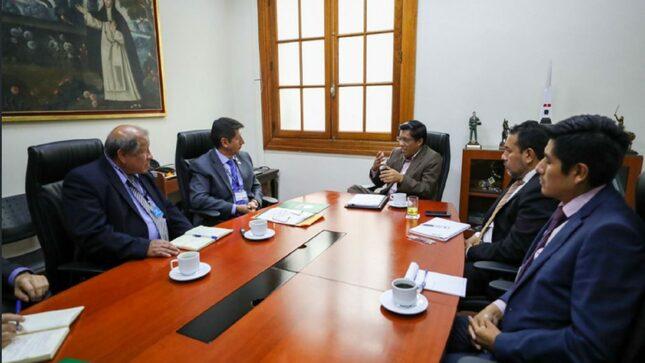 Andina: Vicente Zeballos se reunió con director del Corah para fortalecer política antidrogas