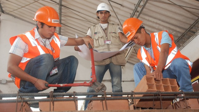 SENCICO y SENA de Colombia inician programa para fortalecer capacidades de estudiantes y trabajadores del sector construcción