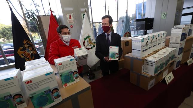 Fuerzas Armadas reciben equipos de protección personal donados por Embajada de Francia