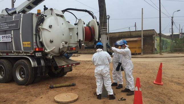 """""""Operación Alcantarillado"""" limpió 3,760 km de desagües y benefició a más de 3 millones de pobladores de 24 regiones"""