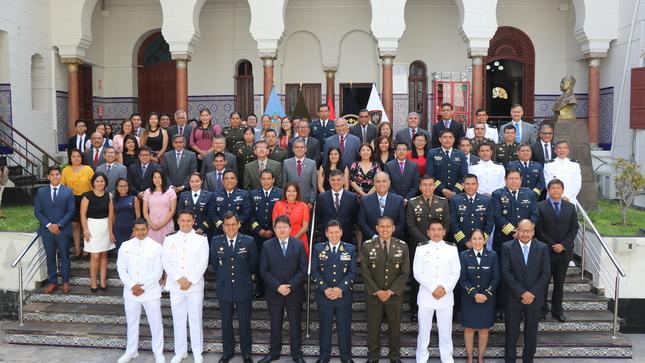 Ceremonia de reconocimiento a personal militar designados a la ACFFAA en el AF 2019