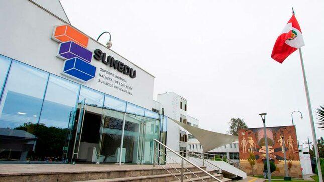 SUNEDU advierte emisión de títulos con firma  de rector no reconocido en la UIGV
