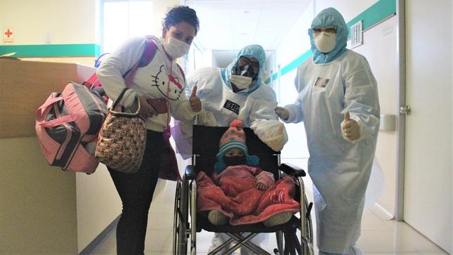 Pequeña guerrera de 1 año y 3 meses de edad vence a la Covid-19 en el Hospital Emergencia Ate Vitarte