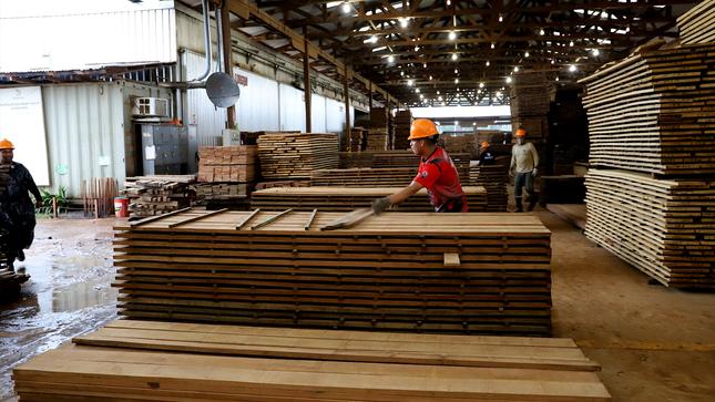 Ministerios de Agricultura, de Vivienda Construcción y Saneamiento y de la Producción unen esfuerzos para promover productos maderables