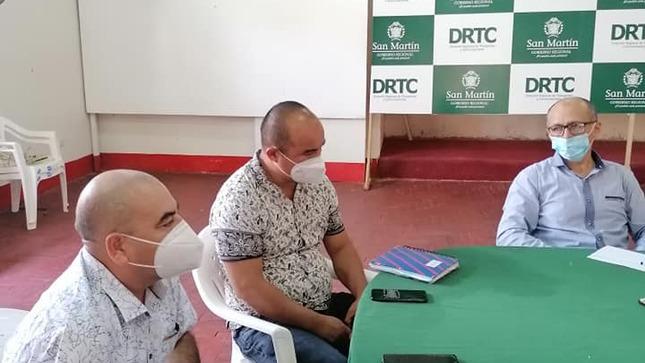 ALCALDE REGIDORES Y FUNCIONARIOS DE LA MUNICIPALIDAD PROVINCIAL DE EL DORADO SE REÚNEN CON REPRESENTANTES DE LA DIRECCIÓN REGIONAL DE TRANSPORTES Y COMUNICACIONES PARA TRTAR EL TEMA DE LA CARRETERA A SAN JOSÉ DE SISA Y LAS QUE  CONDUCEN A LOS OTROS DISTRITOS DE LA JURISDICCIÓN QUE SE ENCUENTRAN EN PÉSIMO ESTADO DE TRANSITABILIDAD