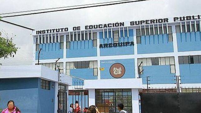 Gobierno regional de Arequipa logró el licenciamiento de (ISPA Arequipa) por 5 años.