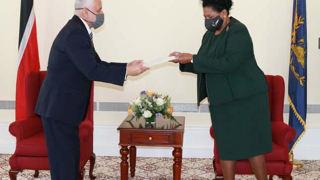 Presentación de Cartas Credenciales del Embajador David Málaga