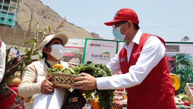 Ministro Jorge Montenegro: «Mercados Itinerantes abastecen a 40 ollas comunes de San Juan de Lurigancho con diez toneladas de alimentos de primera necesidad»