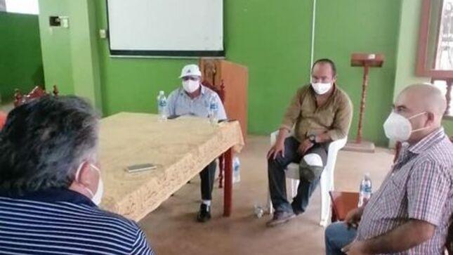 ALCALDE DE LA PROVINCIA DE EL DORADO ELMER GONZÁLEZ SE REÚNE CON EL CONGRESISTA DE LA REPÚBLICA GILMER TRUJILLO.