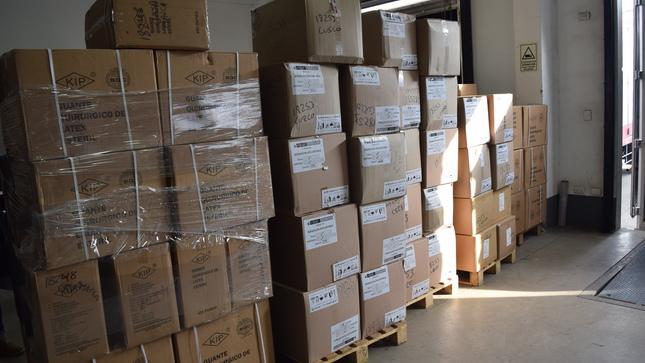 Ministerio de Salud distribuye más de 245 toneladas de equipos de protección personal, medicamentos, entre otros.