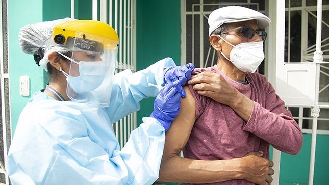 Brigadas del Minsa visitaron 683 viviendas en San Martín de Porres para vacunar contra la difteria y otras enfermedades