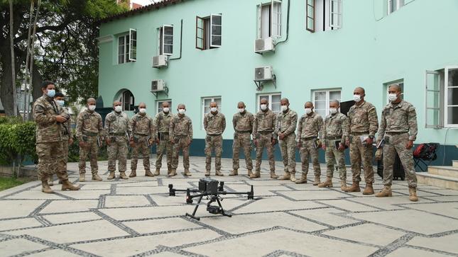 Alumnos de la Escuela de Comandos del Ejército recibieron capacitación en empleo de RPA