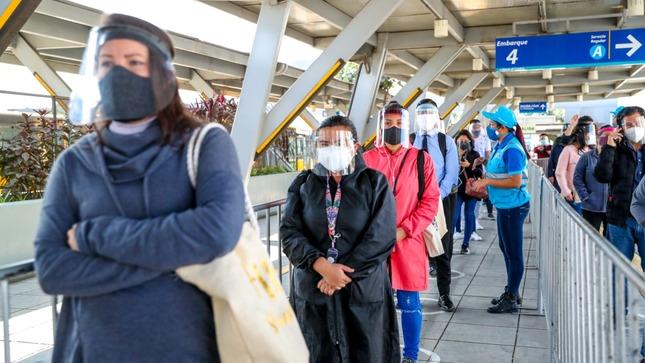 Usuarios del Metropolitano disfrutan de música clásica en terminal y estaciones