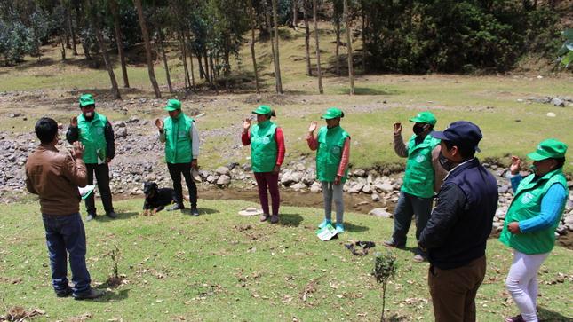 Juramentan equipo técnico de reforestación en el distrito de Pallanchacra