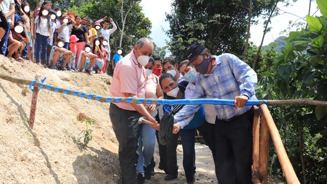"""Municipio jepelacino hizo entrega de la obra: """"Mejoramiento del acceso a las Cataratas de Lejíayacu"""""""