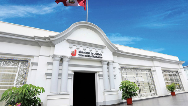 Titular del MINJUSDH reitera que designación de comandante general PNP fue en estricto cumplimiento del artículo 167° de la Constitución