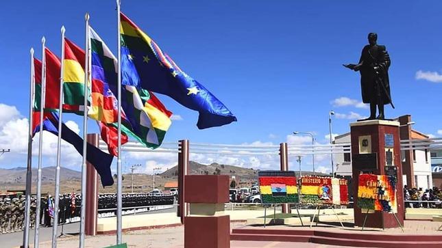 Embajada del Perú participa en el 228 Aniversario del Natalicio del Mariscal Andrés de Santa Cruz y Calahumana