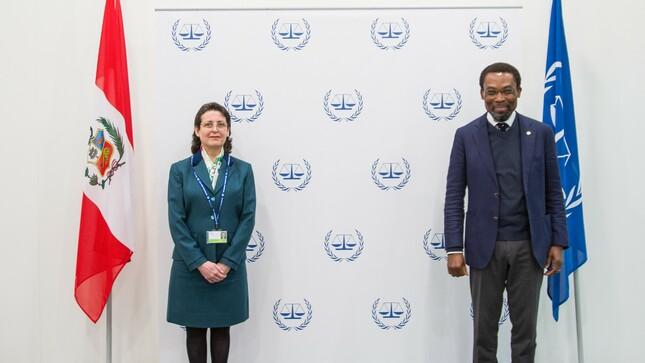 Embajadora del Perú realiza visita oficial a las autoridades de la Corte Penal Internacional