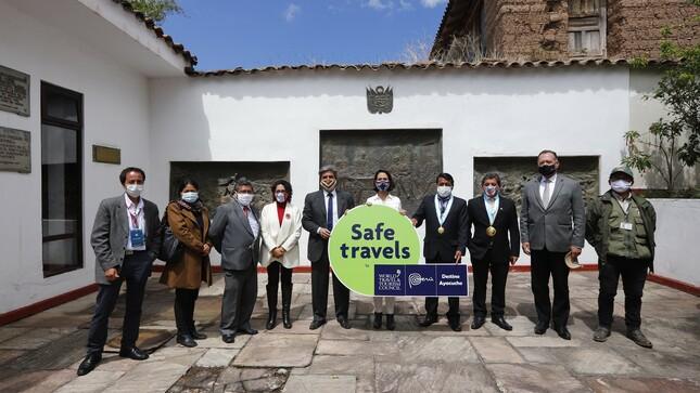"""Mincetur entregó Sello Safe Travels al """"Destino Ayacucho"""" y anuncia obras de mejoramiento en la Casa de Capitulación"""