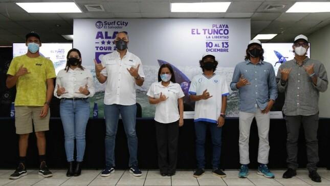 El Salvador realizará torneo latinoamericano de surf con más de 100 atletas entre ellos peruanos.