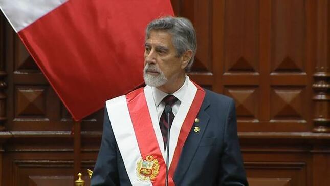 Francisco Sagasti Hochhausler asume como Presidente de la República