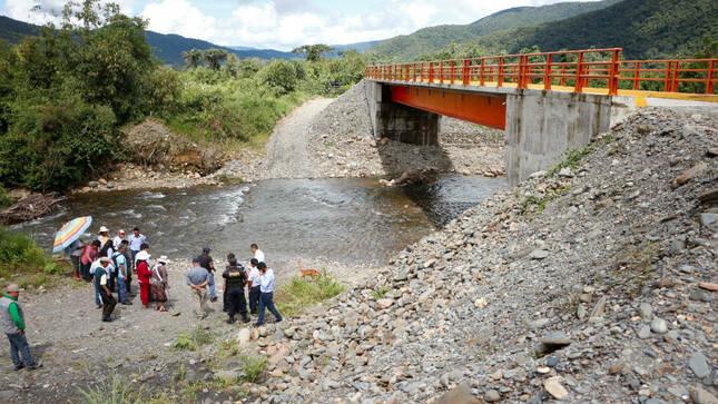 Devida y la municipalidad de San Gabán culminaron la construcción de puentes Chaquimayo y Quellomayo en Puno