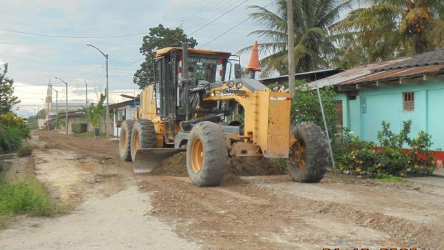 Municipalidad Distrital de Calzada realiza el mantenimiento de calles.