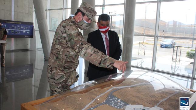 Viceministro de Políticas para la Defensa visitó la Agencia Espacial del Perú
