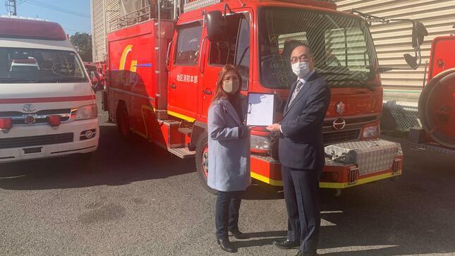 Donación de vehículos bomberos por parte de la Asociación de Bomberos de Japón