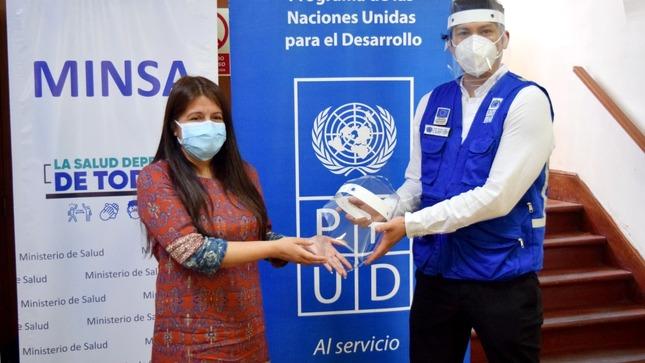 Minsa recibe protectores faciales donados por el PNUD y FabLab Perú