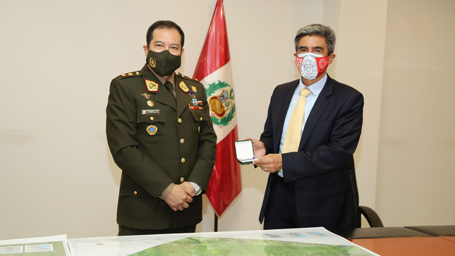 Ministro de Cultura recibe resultados del trabajo de levantamiento de información geoespacial realizado en Kuélap y El Imperio