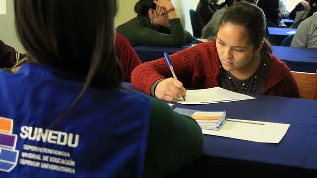 SUNEDU fortalece reglamento para registro de  grados y títulos de universidades con licencia denegada