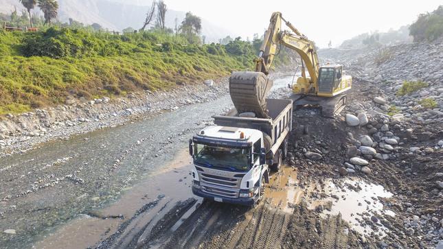 Ministerio de Vivienda interviene 15 puntos críticos de ríos y quebradas en nueve regiones