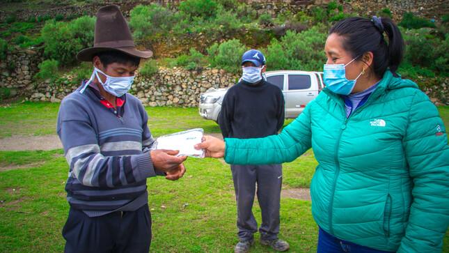 Mascarillas del Minsa gratuitas para la población de Shupluy