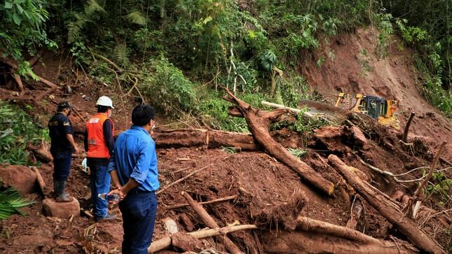 Habilitan Vía Bloqueado por Derrumbes en la Cuenca 5 del Distrito de Río Negro