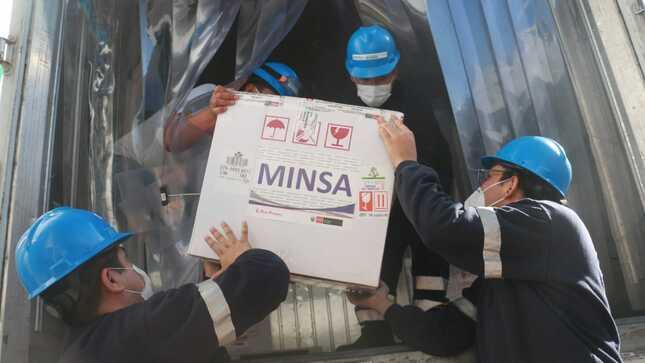 Minsa: Más de 61 000 dosis de vacunas contra la COVID-19 parten rumbo a 10 regiones