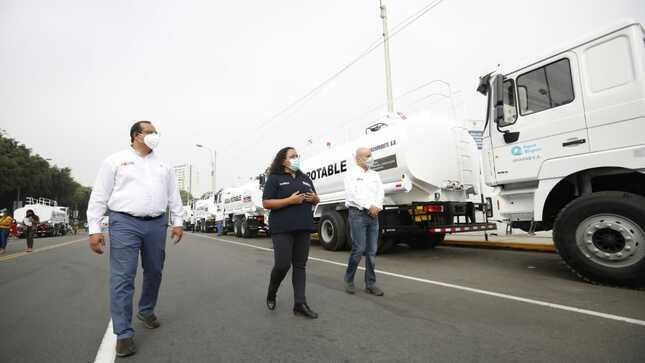 Entregan 13 camiones cisterna para dotar de agua potable a familias de ocho regiones