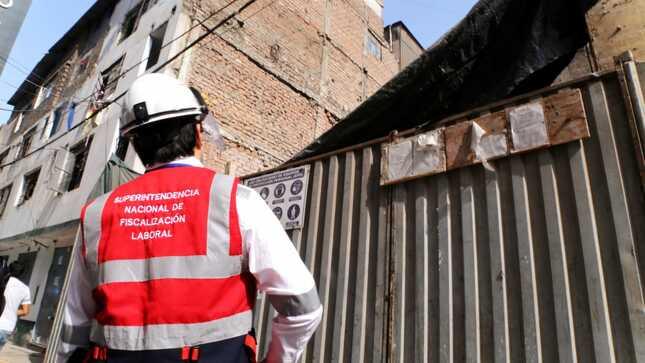 SUNAFIL paralizó obras de construcción civil en La Victoria por riesgos graves e inminentes para la vida de los trabajadores
