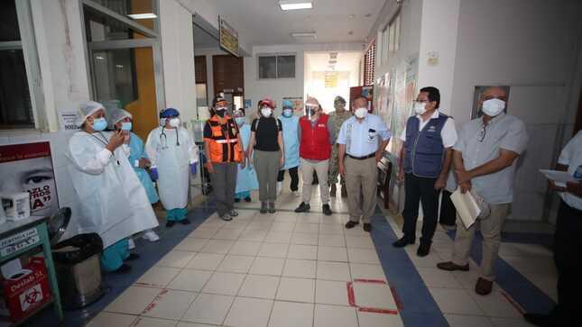 Ministro del Ambiente supervisa jornada de vacunación contra la COVID-19 en Madre de Dios