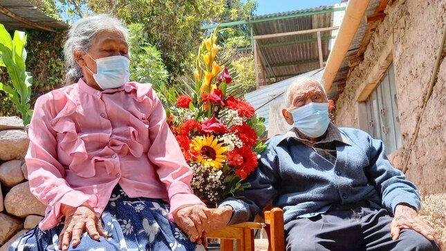 La edad no es impedimento para amar: usuario de 109 años de Pensión 65 celebra San Valentín