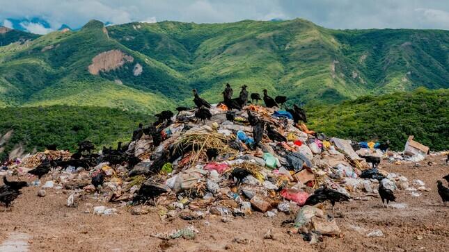 Con inversión de S/ 20 000 000 se recuperarán áreas contaminadas por residuos sólidos en seis ciudades del país