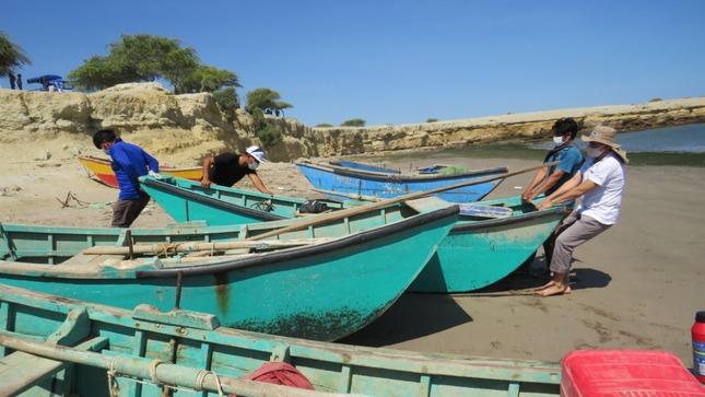 Piura: Capacitan a pescadores artesanales no embarcados de Sechura para  su formalización