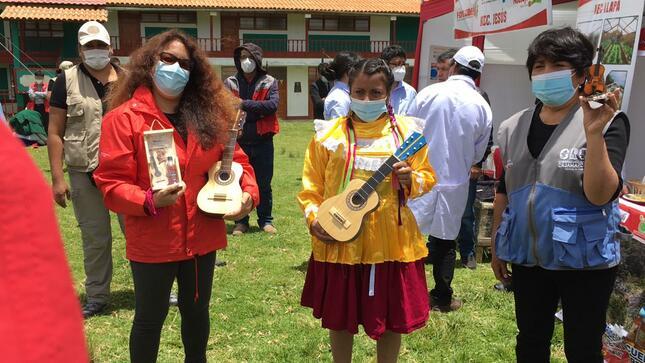 Cajamarca: ministra Midis verifica resultados de proyecto Haku Wiñay  en distrito Baños del Inca
