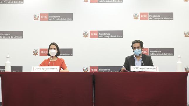Anuncian arribo de más oxígeno para enfrentar pandemia y se precisa que 256 mil servidores de la salud ya se vacunaron