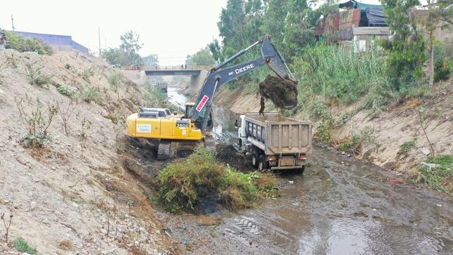 Ministerio de Vivienda realiza labores de prevención en ríos y quebradas de 12 regiones del país