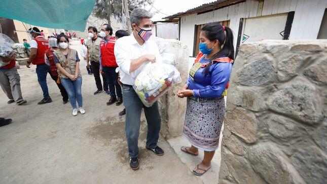 Ministro de Cultura supervisó la entrega de alimentos a la población Shipibo-Konibo asentada en Santa Eulalia