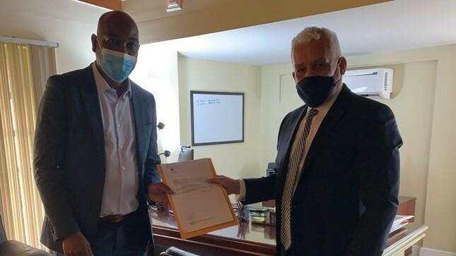 Visita del Cónsul Honorario de Barbados a la Embajada del Perú