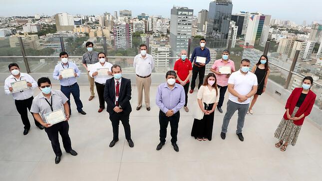 Pronis: especialistas franceses capacitan en gestión hospitalaria a personal de hospitales Bernales y Lorena